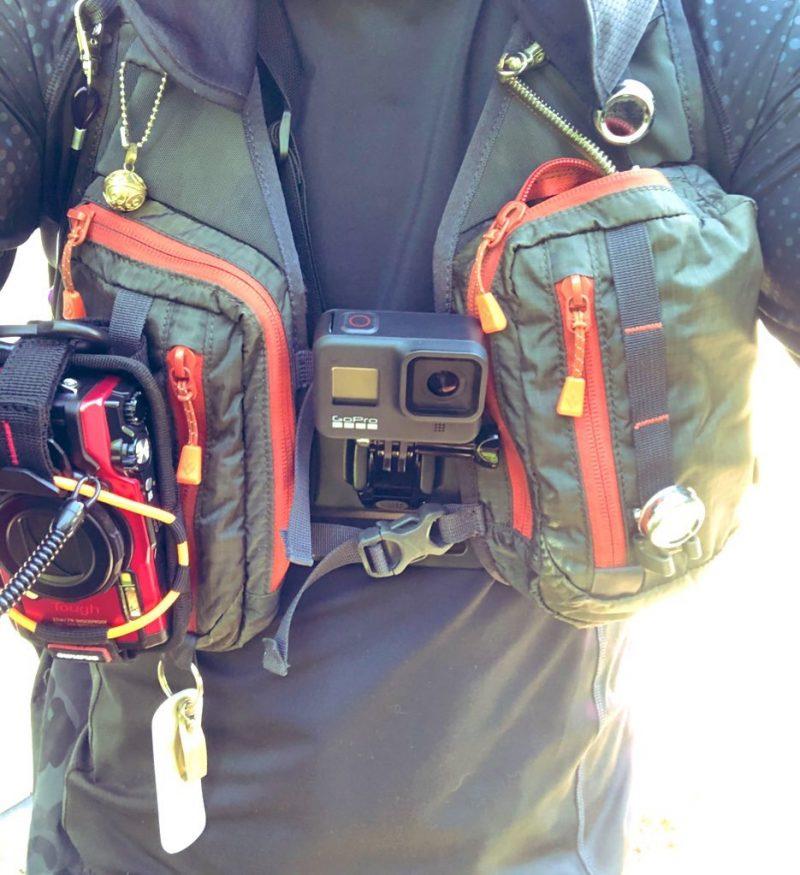 渓流釣り装備。gopro、TG-6、タックルベストなど。